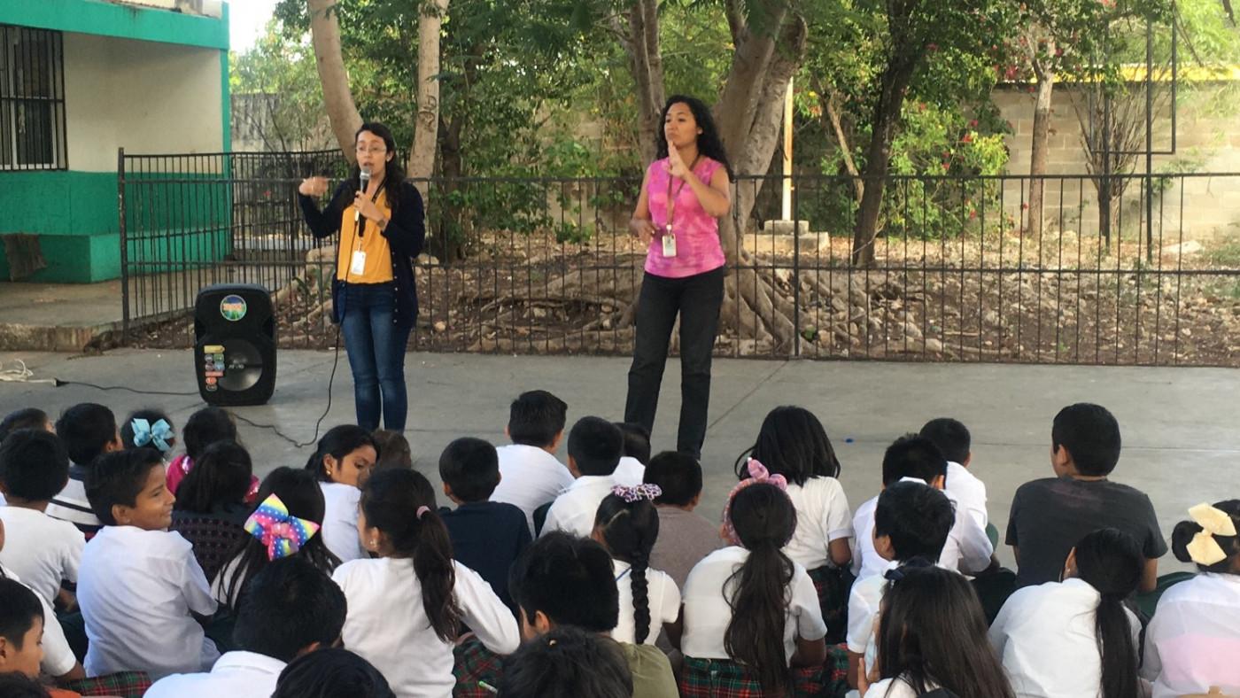 Visita a la primaria