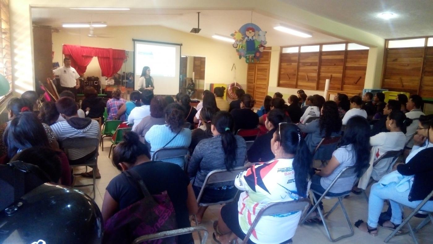 Pláticas de Prevención del Delito en el Jardín de niños Humberto Lara y Lara en Hunucmá