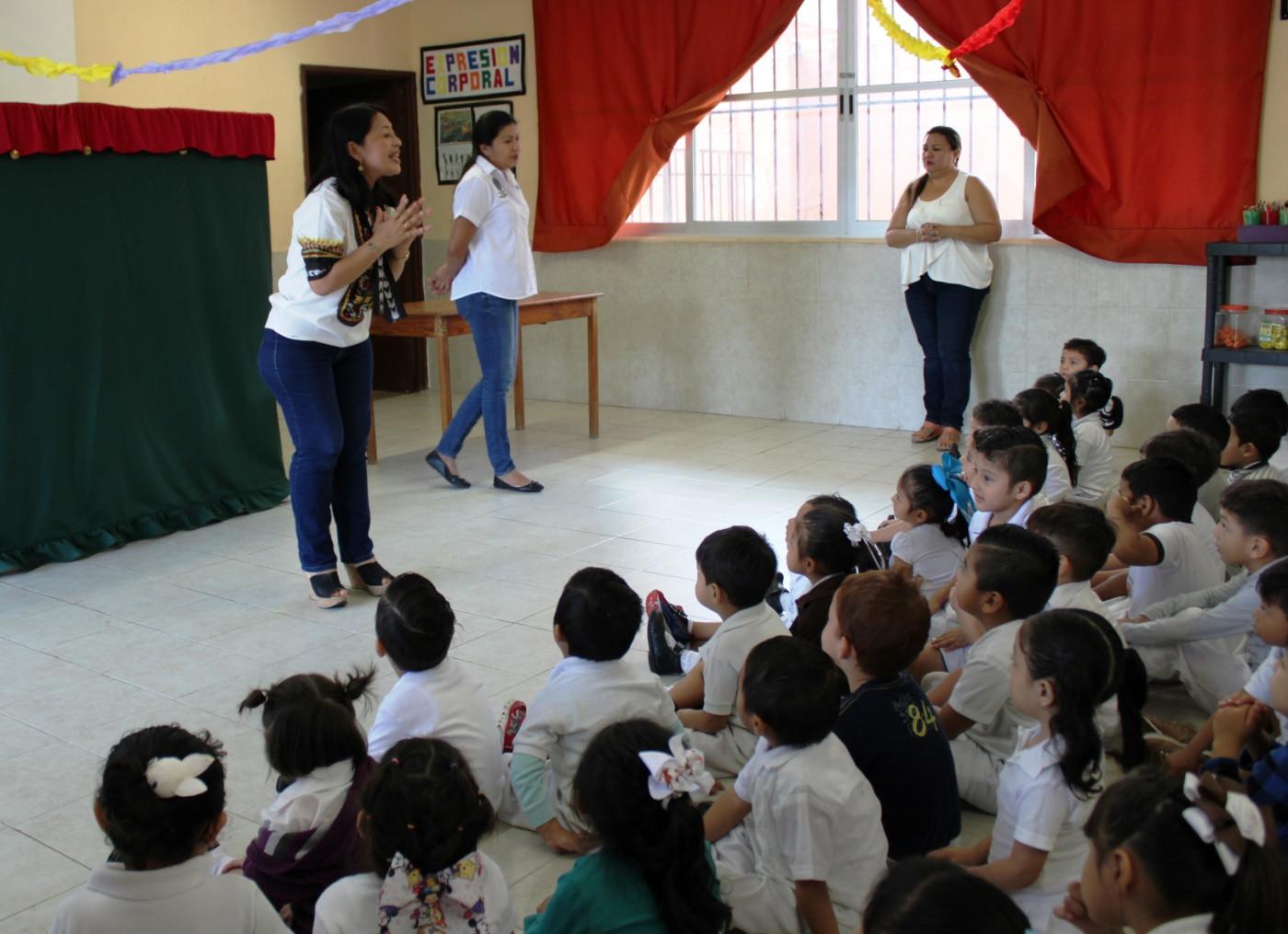 Plática de Prevención del Delito en el preescolar Morelos en Mérida