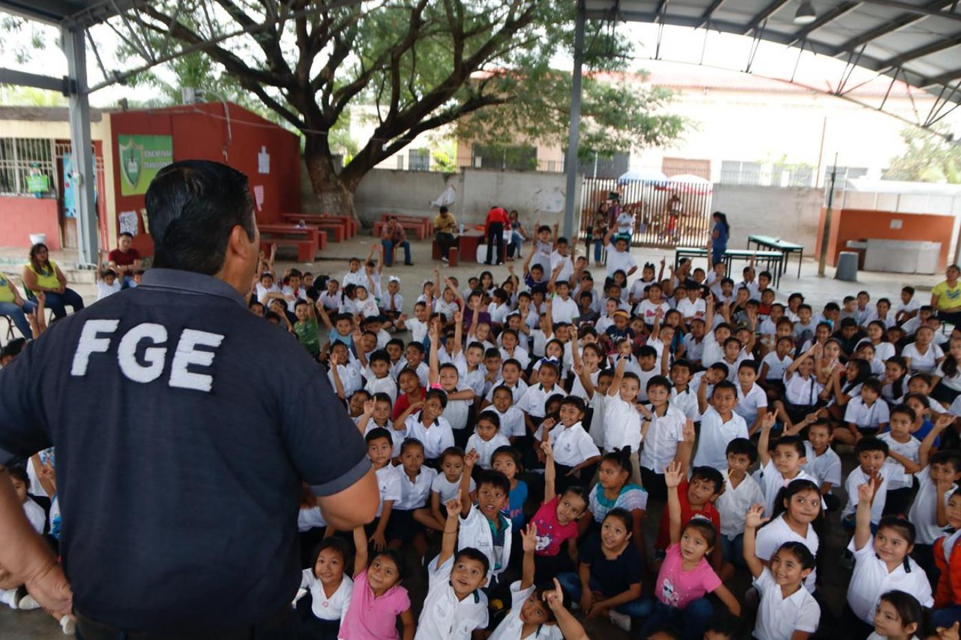Visita a la escuela primaria Omar Guadalupe Lara Novelo  en Kanasín