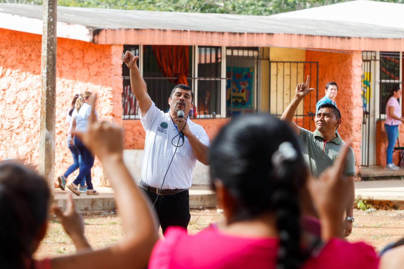 Visita a la primaria Felipa Poot en Yaxccabá. Prevención del Delito.
