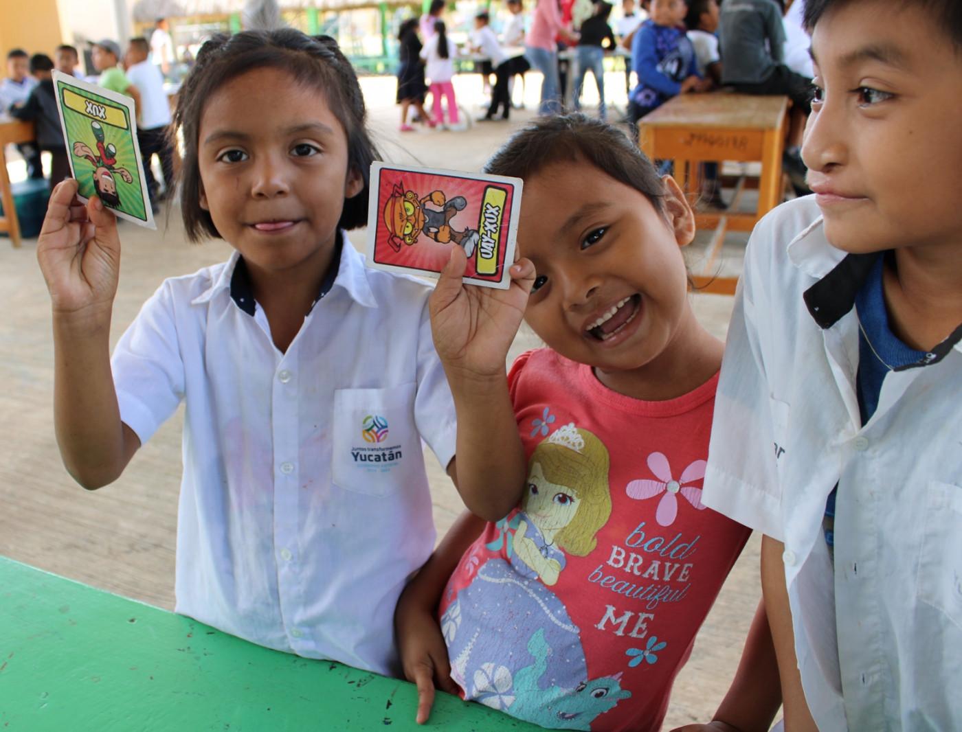 Visita a la primaria Venustiano Carranza con el programa Xux Donde Quiera Que Estés