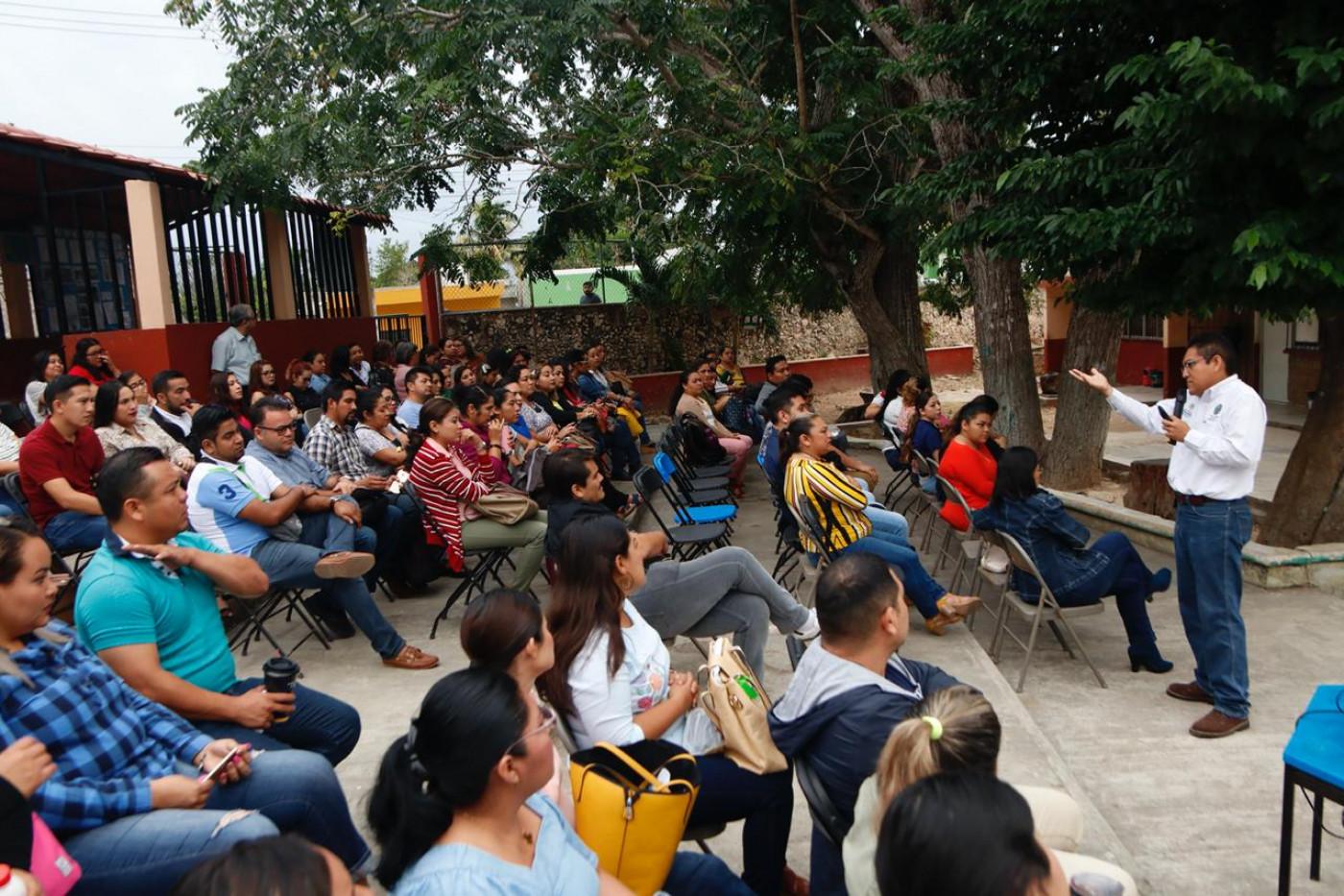 Visita a la escuela secundaria Técnica #50 ubicada en el municipio de Tekit (docentes)