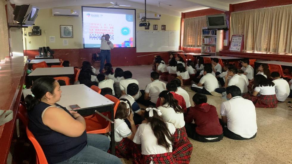 Programa de Prevención del delito en la escuela secundaria técnica #54 en Mérida.