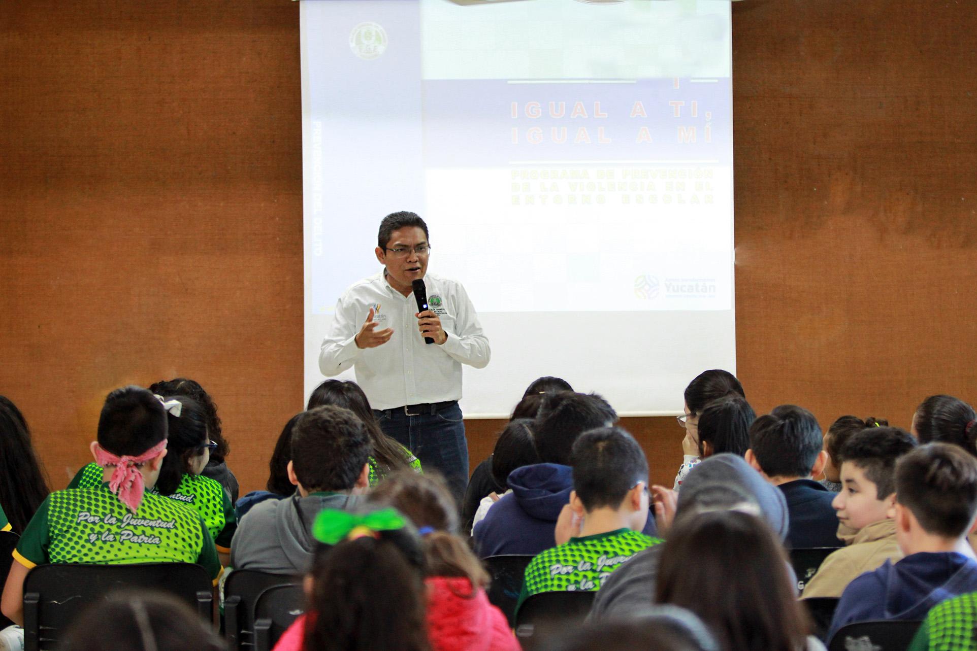 Alumnos del Colegio Americano aprenden sobre acoso escolar