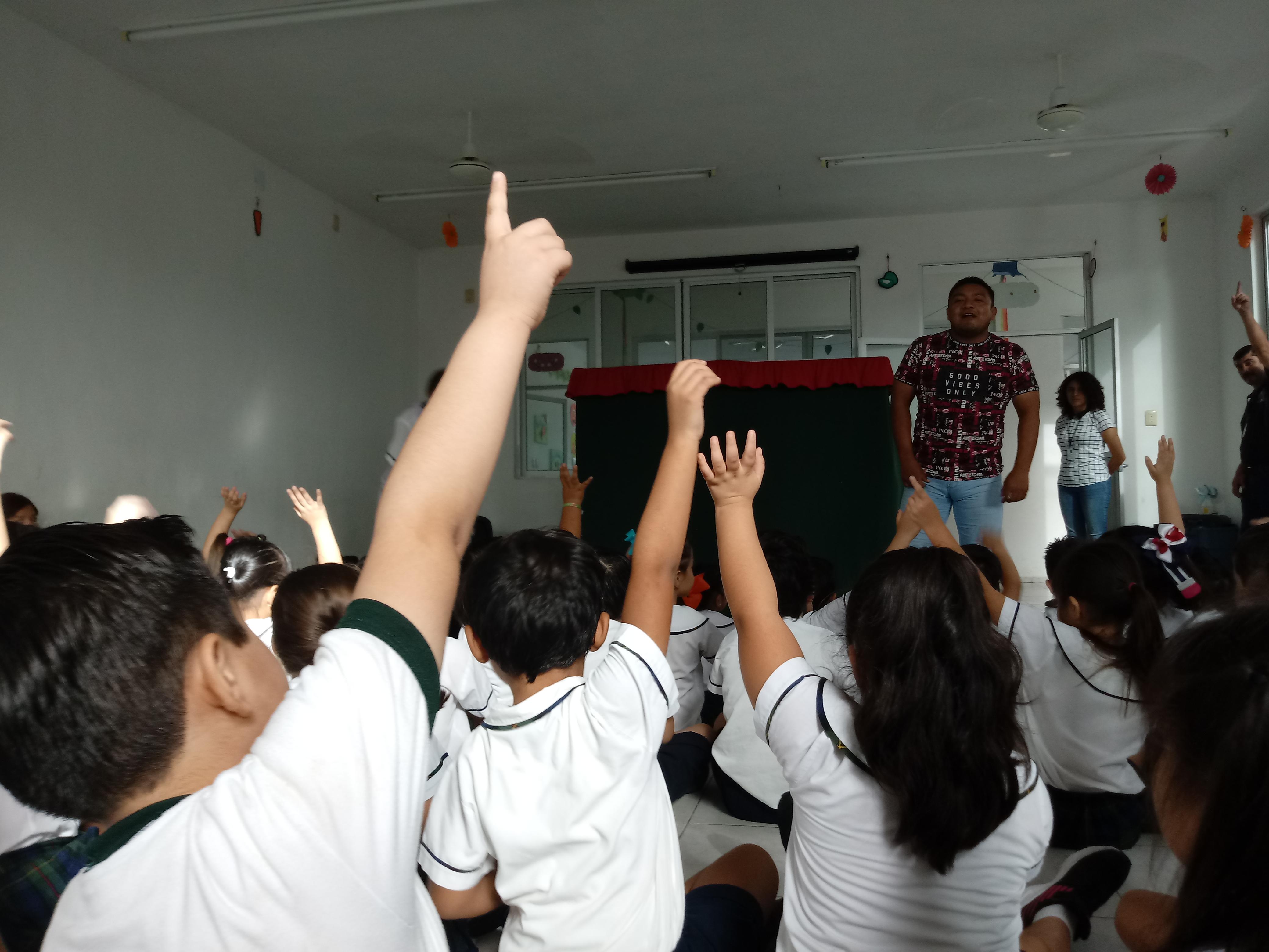"""Visita al centro de enseñanza """"El Castañal"""". Pláticas de Prevención."""